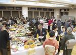 ▲各国家庭料理を楽しむ参加者