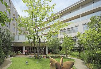 緑豊かな中庭が美しい「グランクレール藤が丘」