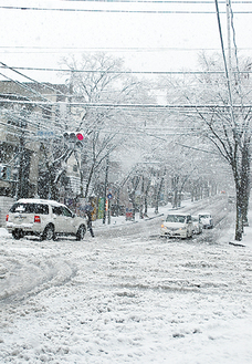 積雪当日の「西勝寺北側」交差点