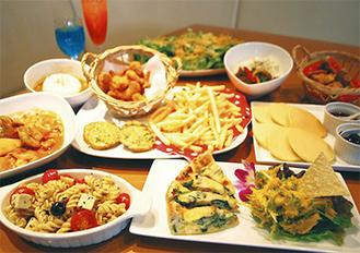 KIDSパンケーキ、KIDS鶏から、KIDSポテト、KIDSカレー、自慢のゴマドレ 蒸し鶏サラダ、キッシュ&かぼちゃサラダ、ポテトフライ、ポップコーンシュリンプ、ナスのボロネーゼピザ、ミラノ風カツレツ、ガパオライス(ハーフ)