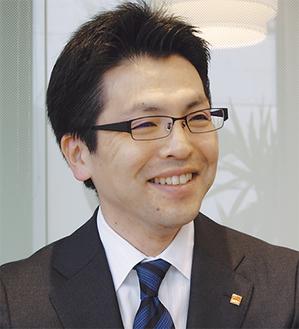 笑顔の倉田店長