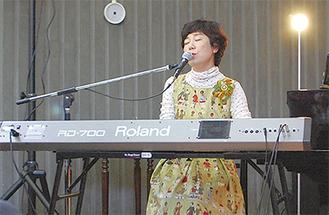 歌声を披露した木村さん