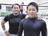 青木監督(左)と諏訪間君