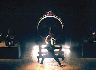 迫力ある太鼓の公演