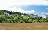 緑区三保町に建つ校舎