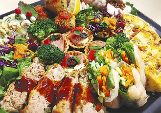 Aプレート 3,980円+税(約4人分)…生春巻き、旬菜デリ、ミニタルト、オリジナルポテトサラダ、蒸し鶏のサクサク醤油がけ、ライスコロッケ、ミートローフ、季節のキッシュなど ※季節によって一部変更の可能性あり