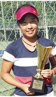 「光って輝くテニスを」