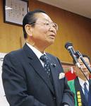 あいさつする松澤会長