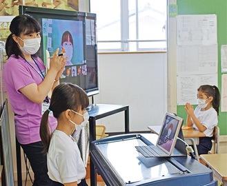 授業と家庭学習をライブ配信でつなぐ桜岡小学校