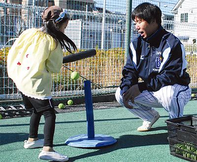 野球とダンスで交流