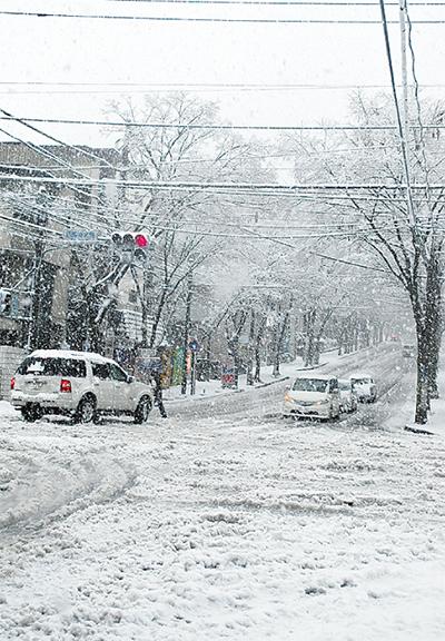 積雪13cmで区内混乱