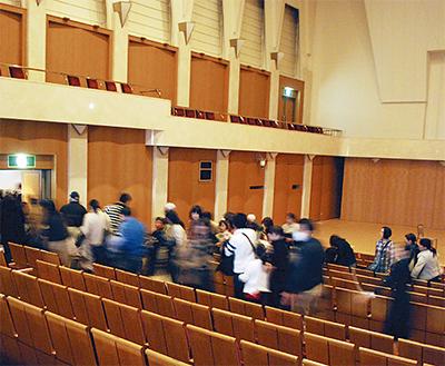 コンサート中に避難訓練