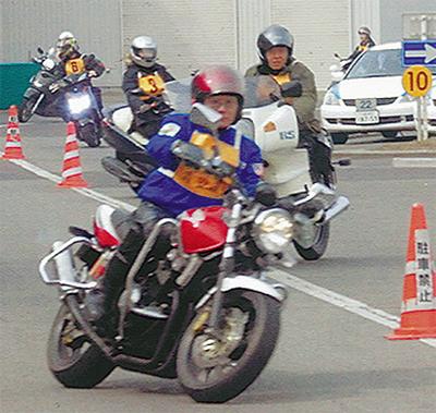 二輪車事故に注意