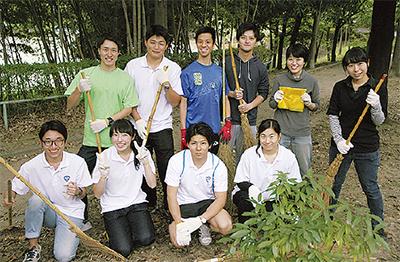 区内6大学学生が清掃