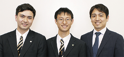 左から渡邊君、永見君、橋本顧問