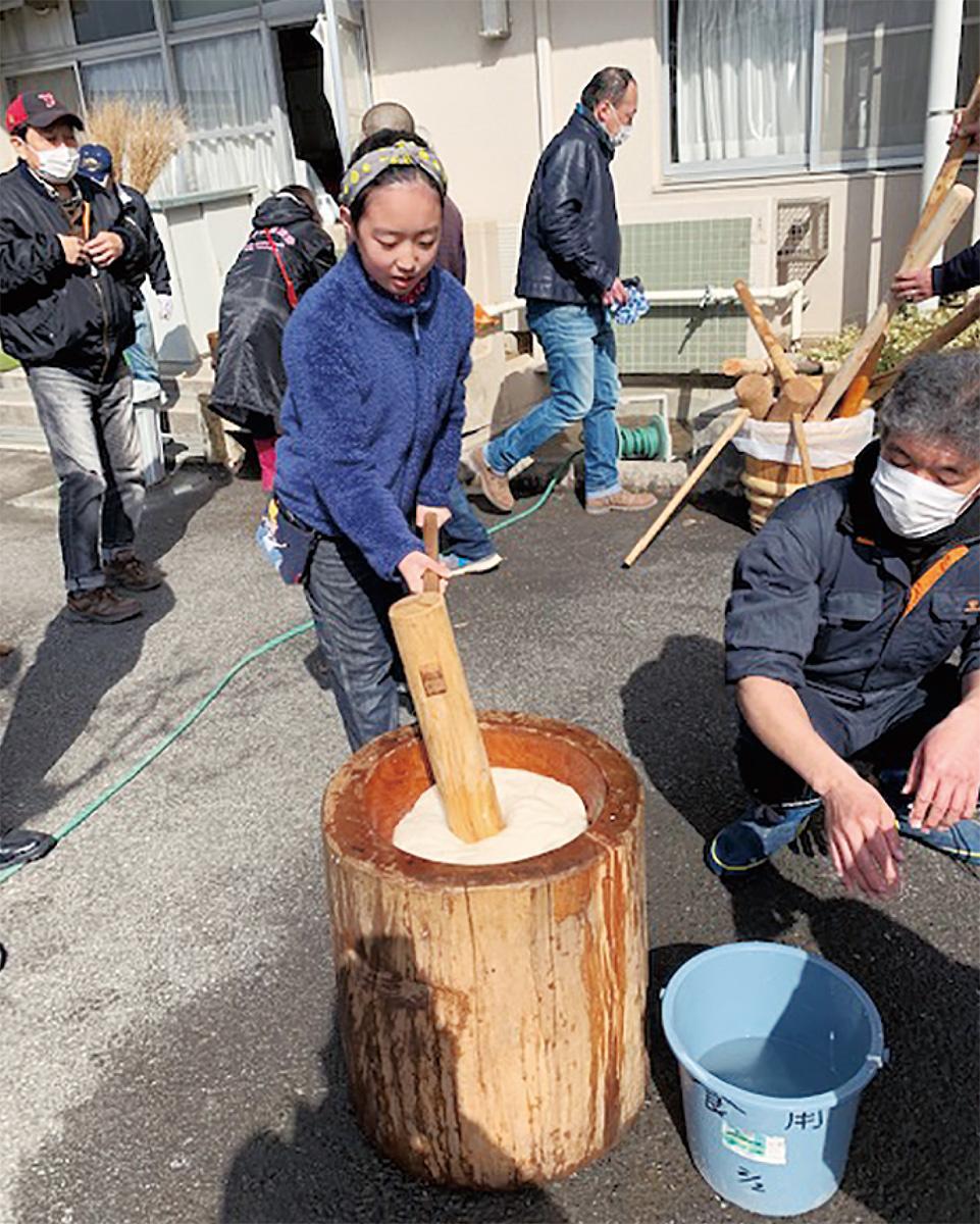 荏子田で餅つき会