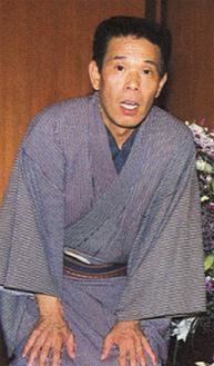 基調講演を行う林家源平さん