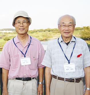 「歩きながら街知って」と狩野さん(左)と板垣会長(右)