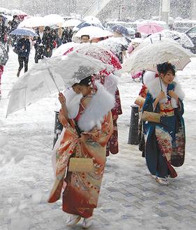 昨年は大雪の成人式となった