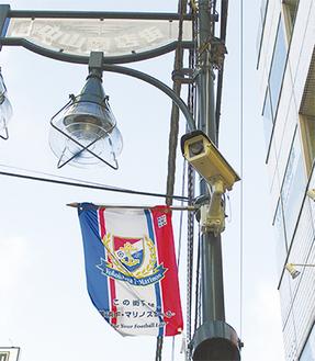 人通りの多い箇所などに設置されたカメラ