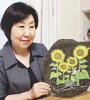 作品を紹介する太田さん