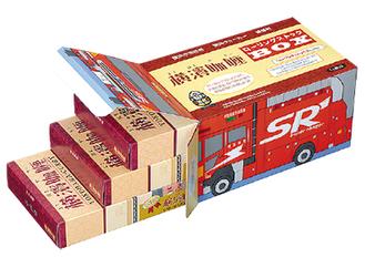 消防車両の箱入りのカレー