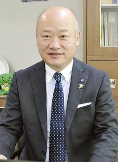 新年の抱負を語る小野崎区長