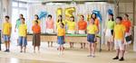合唱を披露する横浜ジョイフルカペラのメンバーら