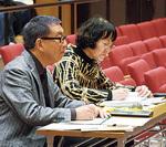 審査を担当した根本氏(右)と、山田氏