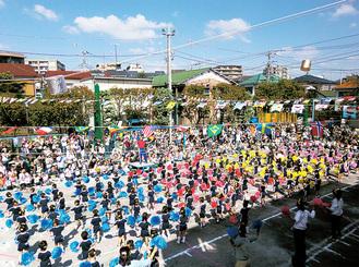 広い園庭で行われる運動会