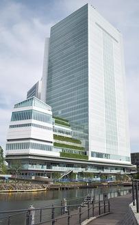 29日に全面供用開始となった新市庁舎