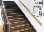 建設当時のままの木造階段