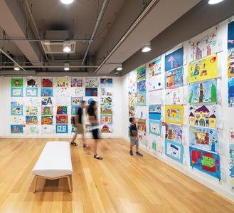 「横浜市こどもの美術展2019」の様子(photo:Ken Kato)