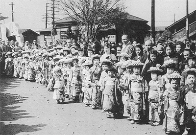 昭和の稚児行列を復活