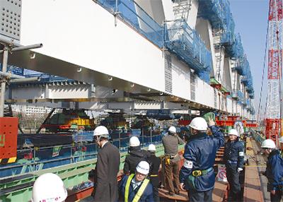 日本最長のトラス橋架設