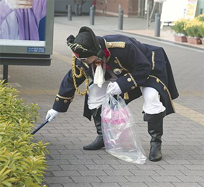 マッスル船長が清掃活動