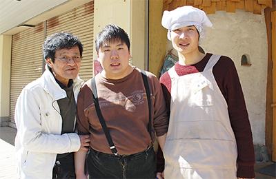 障害者と地域「芸術」で結ぶ