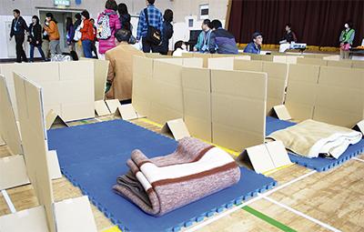 避難生活、地域住民と体験