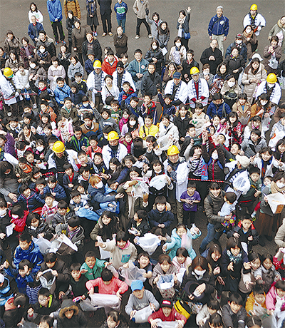 鴨居杉山神社で節分祭