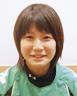 「学校ではみんなの聞き役に回ることが多い」と話す長澤さん