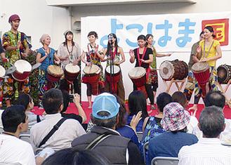 民族楽器の演奏会も