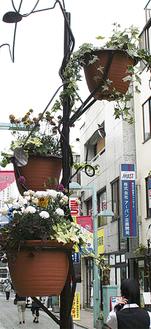 綱島西口商店会のモニュメントポール
