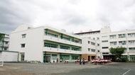 児童数増で新校舎増築