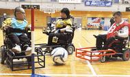 車椅子でサッカー