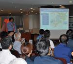 港北区の災害リスクを説明する区職員