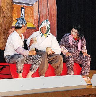 ▶笠原公と農民の出会いを演じる出演者