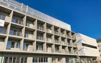 箕輪小学校の校舎の外観=市教委提供写真