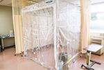 同院に設置している陰圧テント
