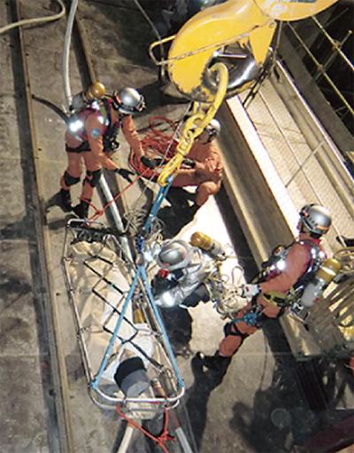 地下25mの救助