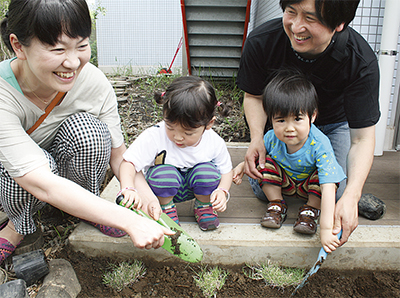 芝生植え付けを体験